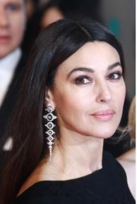 trend gioielli orecchini diamanti extra large pendenti lunghi