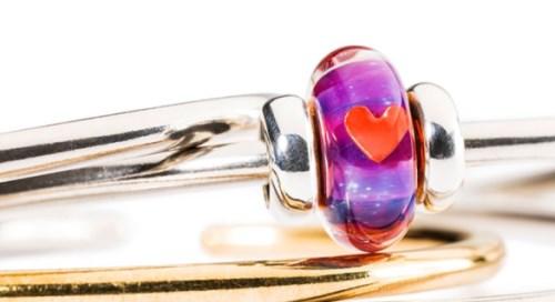 gioielli san valentino idee regalo trollbeads amore bangle rigido argento vetro beads