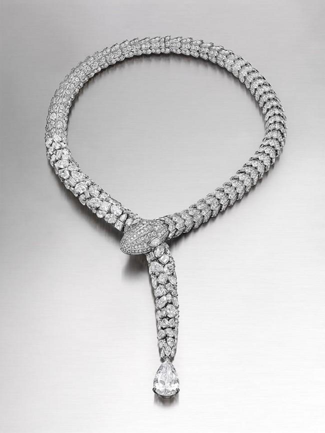 gioielli bulgari collier serpenti diamanti carla bruni inaugurazione anniversario via condotti