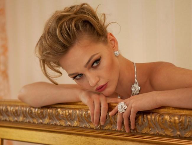 gioielli floreali piaget orecchini anello collier rose diamanti