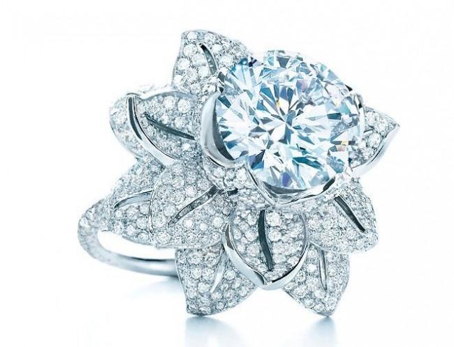gioielli floreali tiffany anello fiore diamanti