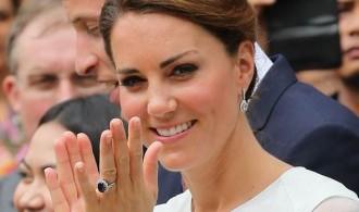 come scegliere i gioielli con zaffiri anello fidanzamento kate middleton diana diamanti carlo william