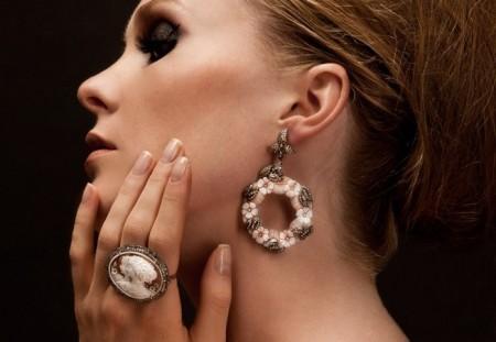 gioielli con cammeo orecchini anello cammei