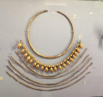gioielli di san pietroburgo piazza del palazzo museo ermitage collane