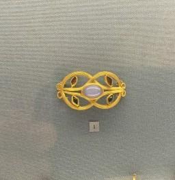 gioielli di san pietroburgo piazza del palazzo museo ermitage spilla oro pietre