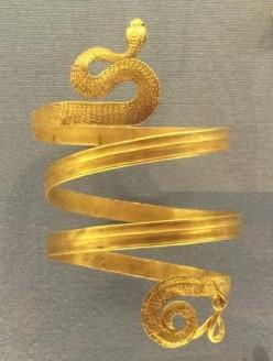 gioielli di san pietroburgo piazza del palazzo museo ermitage bracciale serpente