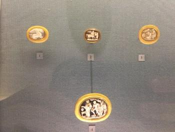 gioielli di san pietroburgo piazza del palazzo museo ermitage spille cammeo