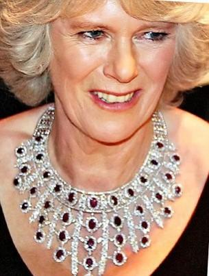 gioielli reali inglesi camilla collana diamanti e rubini
