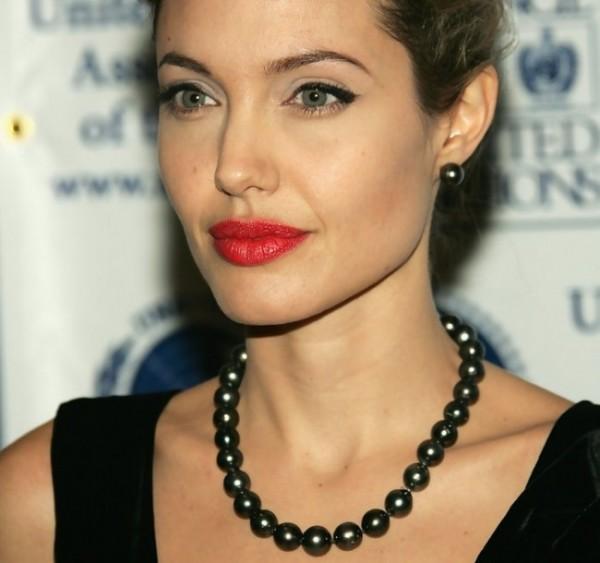 come scegliere le perle nere naturali coltivate angelina jolie collana nere perle corta