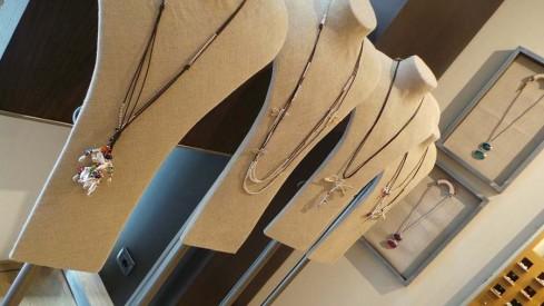 consigli gioielli di natale idee regalo uno del 50 ciondoli collane