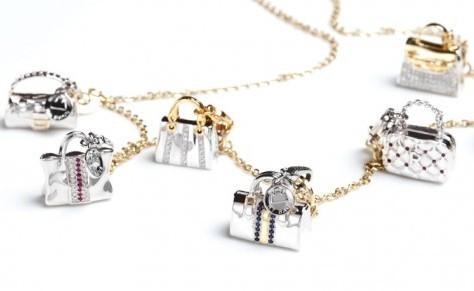 consigli per gioielli di natale bracciale rosato ciondoli borse scarpe oro argento