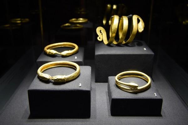 serpenti bulgari serpentiform bracciali oro gioielli
