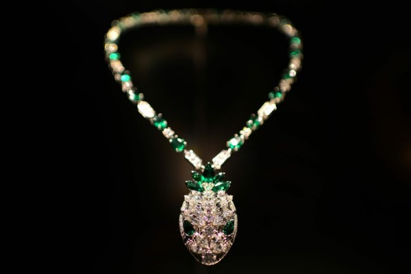 serpenti bulgari serpentiform mostra collana diamanti smeraldi