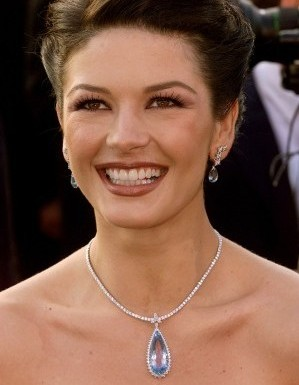 catherine-zeta-jones-donna inverno oro bianco