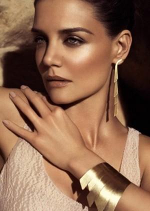 katie holmes come scegliere i gioielli donna inverno oro giallo