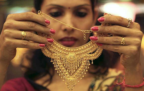 colori oro caratura gioielli indiani